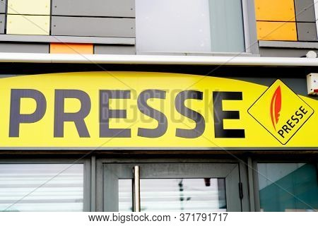 Presse French Sign Yellow Logo Text Newspaper Store Seller Press Facade Shop Symbol