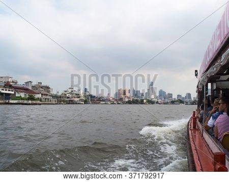 Chao Phraya River Bangkok Thailand-31 December 2018:landscape Of Bangkok And Ship Is Sailing In The