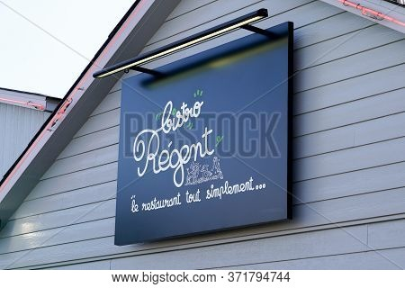 Bordeaux , Aquitaine / France - 11 07 2019 : Bistro Regent Sign Logo Brand French Chain Restaurant F