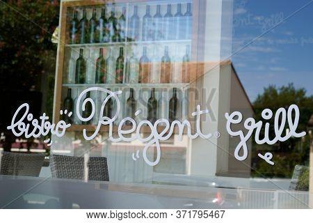 Bordeaux , Aquitaine / France - 05 05 2020 : Bistro Regent Sign Logo Brand French Bordeaux Chain Res