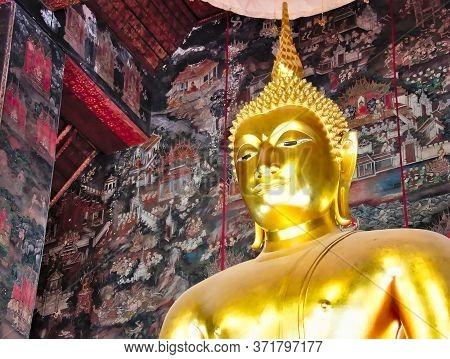 Phra Si Sakyamuni, Buddha Statue, Wat Suthat Bangkok Thailand.bangkok Thailand-17 July 2019:is A Bud