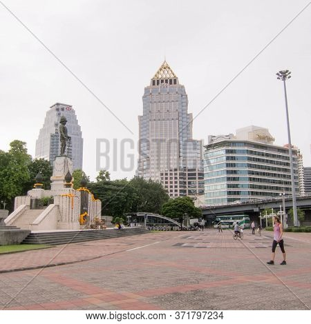 Statue Of King Rama Vi Bangkok,thailand-01 August 2018: This Statue Is Located In Front Of Lumphini