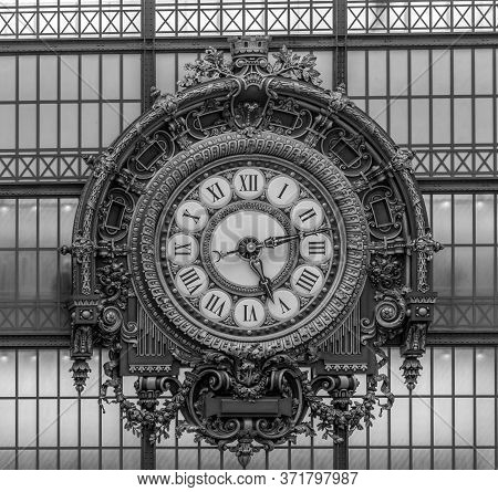 Paris - France September 15, 2017: Main Hall Of The Orsay Museum (musee D'orsay) In Paris, France. M