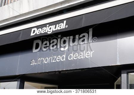 Bordeaux , Aquitaine / France - 02 15 2020 : Desigual Sign Logo Store Casual Clothing Brand Shop Fou
