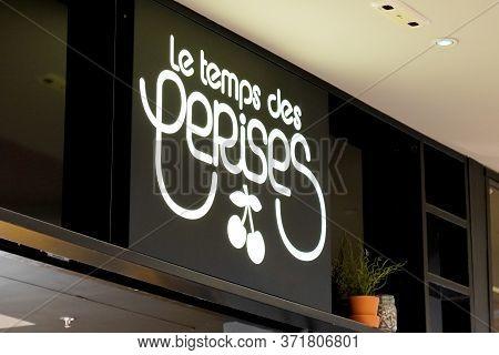 Bordeaux , Aquitaine / France - 09 23 2019 : Le Temps Des Cerises French Clothing Store Shop Front S