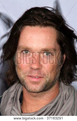 LOS ANGELES - SEP 24:  Rufus Wainwright arrives at the