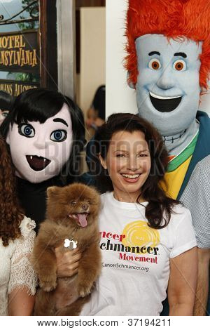 LOS ANGELES - SEP 22:  Fran Drescher at the screening of Columbia Pictures and Sony Pictures Animation's 'Hotel Transylvania' at Pacific Theater at The Grove on September 22, 2012 in Los Angeles, CA