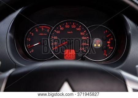 Novosibirsk/ Russia - April 02 2020: Mitsubishi Pajero Sport, Round Speedometer, Odometer With A Ran
