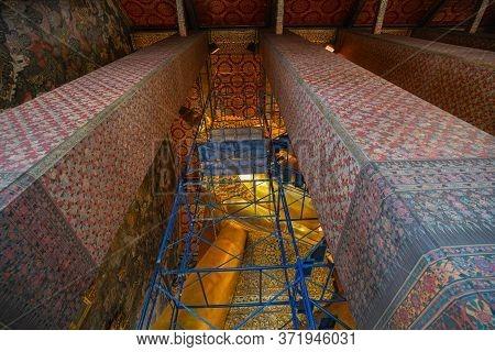 The Reclining Buddha Temple In Wat Phra Chettuphon Wimon Mangkhalaram Ratchaworamahawihan Or Wat Pho