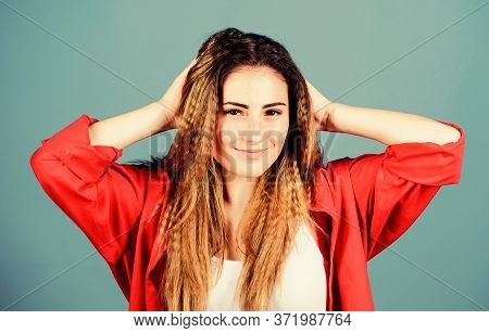 Hair Crimping Method Styling Hair. Self Care. Shampoo And Conditioner. Pampering Routine. Hairdresse