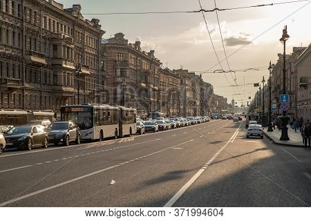 Russia, St.petersburg, 09 June 2020: The Architecture Of Nevsky Prospect At Sunset During Pandemic O