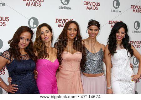 LOS ANGELES - JUN 17:  Judy Reyes, Ana Ortiz, Dania Ramirez, Roselyn Sanchez, Edy Ganem arrive at the