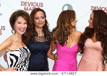 LOS ANGELES - JUN 17:  Susan Lucci, Judy Reyes, Ana Ortiz, Dania Ramirez arrives at the