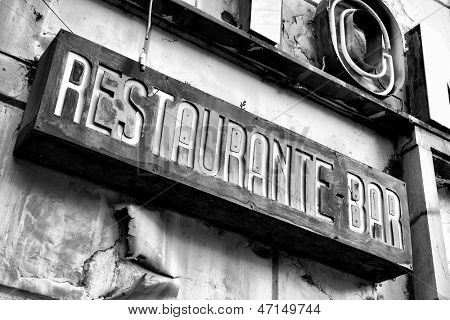 Sign of deserted restaurant