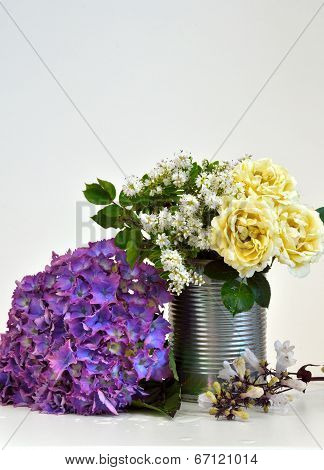 A Niave Flower display in a can