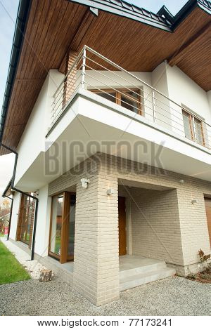 Contemporary And Beauty Detached House