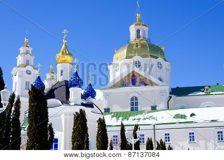 Pochaev lavra. Dormition Cathedral, domes.