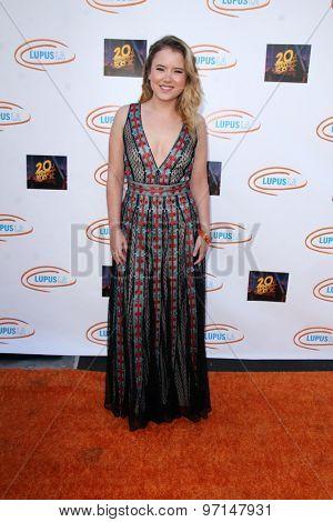 LOS ANGELES - JUN 6:  Taylor Spreitler at the Lupus LA Orange Ball  at the Fox Studios on June 6, 2015 in Century City, CA