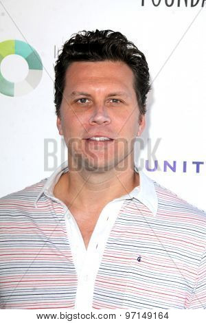 LOS ANGELES - JUN 8:  Hayes MacArthur at the SAG Foundations 30TH Anniversary LA Golf Classi at the Lakeside Golf Club on June 8, 2015 in Toluca Lake, CA