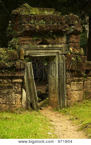 Ta Phrom Doorway, Angkor Wat, Cambodia