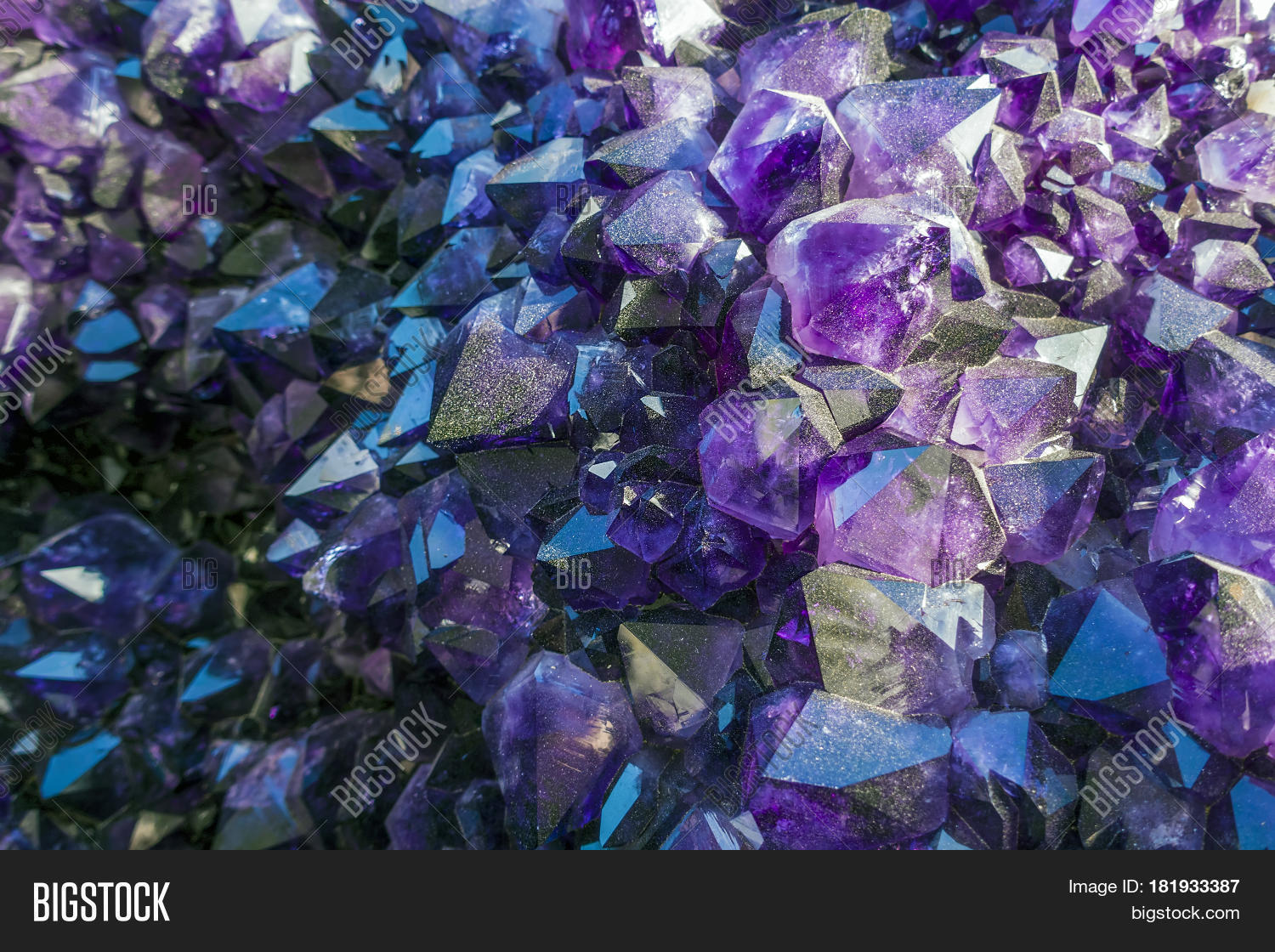 Amethyst crystals and other crystals - detail.