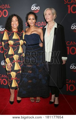 LOS ANGELES - APR 8:  Shonda Rhimes, Kerry Washington, Betsy Beers at the