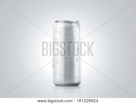 Blank big cold aluminium beer can mockup with drops 500 ml 3d rendering. Empty fresh soda tin packing mock up with condensate isolated.
