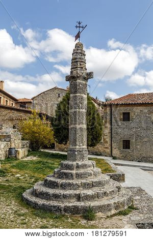 Calatanazor medieval pillory Soria Spain rollo tower