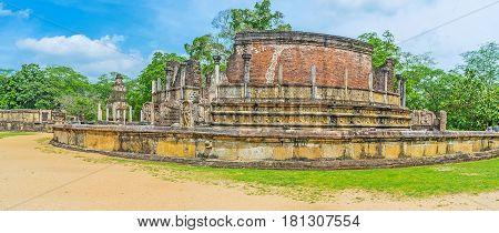 Dalada Maluwa Site In Polonnaruwa