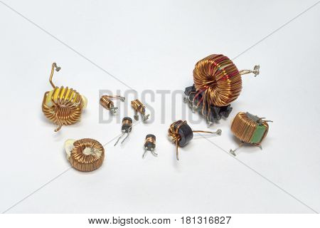 Electronic Parts: Inductors With Toroid Core And High-frequency Inductance Coil