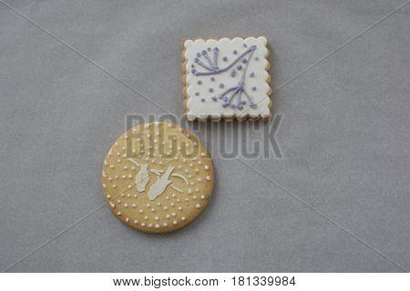 Royel ıcıng. Decorate cookie cake with mareng cream