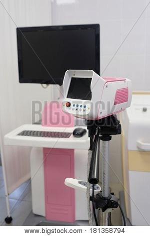Device for a gynecological examination