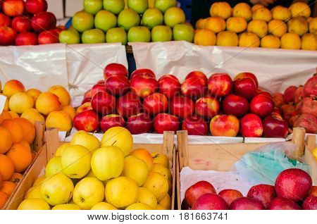 Apples on the counter in the market. Horizontall.