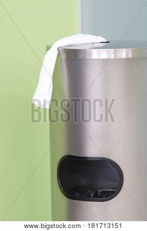 Bin litter close up