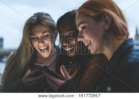 Best Friends Girls With Smartphones Laughing