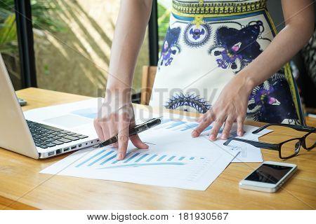 Business Woman Meeting Dicuss Financial Data