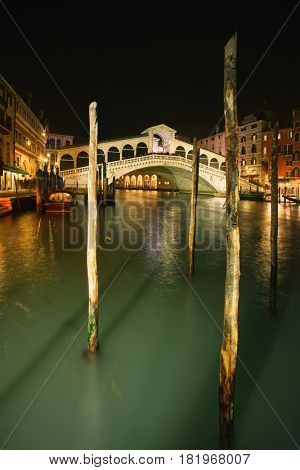 FFebruary 17, 2017 - Night view of the famous bridge in Venice, Italy - Rialto Bridge at Night, Venice, Italy