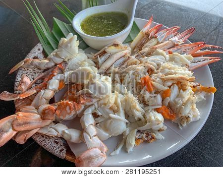 Steamed Crab Meat From Blue Swimming Crab, Ready To Eat With Seafood Dipping.