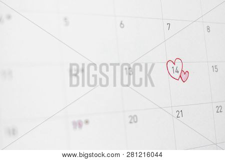 14 Feburary With Red Or Pink Heart On Calendar - Valentine's Day Concept.