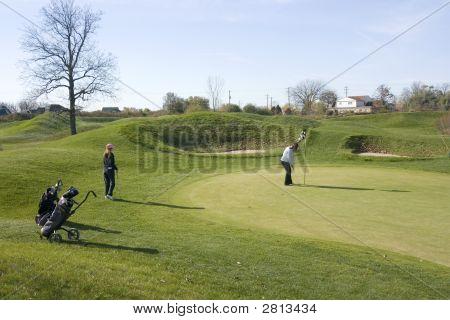 Golfing Girls Putting