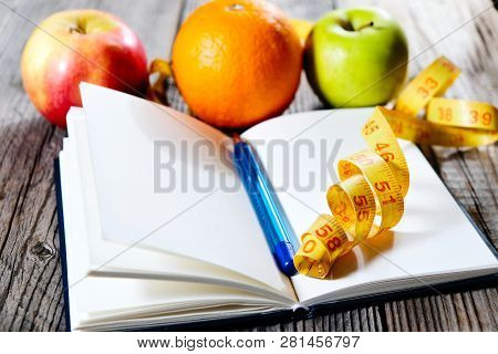 Fruits And Inscription Diet Plan. Slim Down Eating Plan. Healthy Eating And Fitness.