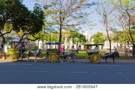 Manila,philippines - September 24,2018: Horse Drawn Carriage A Popular Form Of Transportation In Int