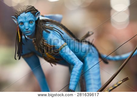San Diego, California - July 22, 2010: Sideshow Collectibles Shows Neytiri Polystone Statue From Ava