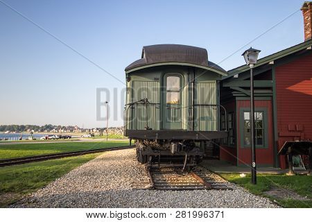 Port Huron, Michigan, Usa - September 5, 2018: The Thomas Edison Depot Museum In The Downtown Waterf