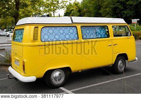 Bordeaux , Aquitaine / France - 08 10 2020 : Vw Bus Vintage Volkswagen Campervan Yellow Model Van Fo