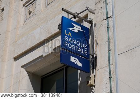 Bordeaux , Aquitaine / France - 08 10 2020 : La Banque Postale Logo And Sign Text Of Shop French Pos