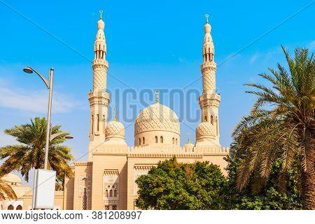 Jumeirah Mosque Is A Main Mosque In Dubai City In Uae
