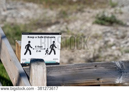 Wyoming, Usa - July 2, 2020: Sign At A Trailhead In Yellowstone National Park, Reminding Visitors To