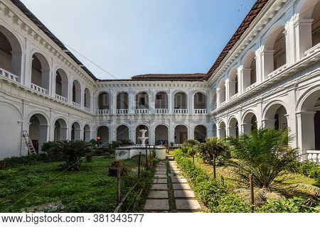 Old Goa, India - November 23, 2019: Courtyard Inside. Basilica Of Bom Jesus (borea Jezuchi Bajilika)