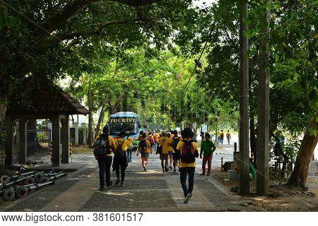 Manila, Ph - Apr 7 - Catwalk Outside Intramuros On April 7, 2019 In Manila, Philippines.